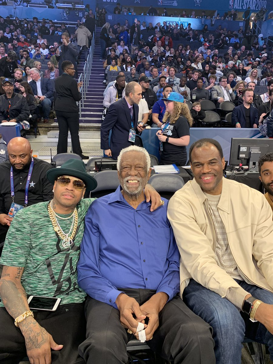 About to go on court #NBAAllstar2019 @alleniverson @RealBillRussell<br>http://pic.twitter.com/RoPJ8VMWQ2