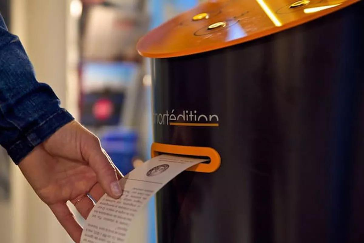 This 'vending machine' dispenses free short stories https://wef.ch/2rNS0Go #literature