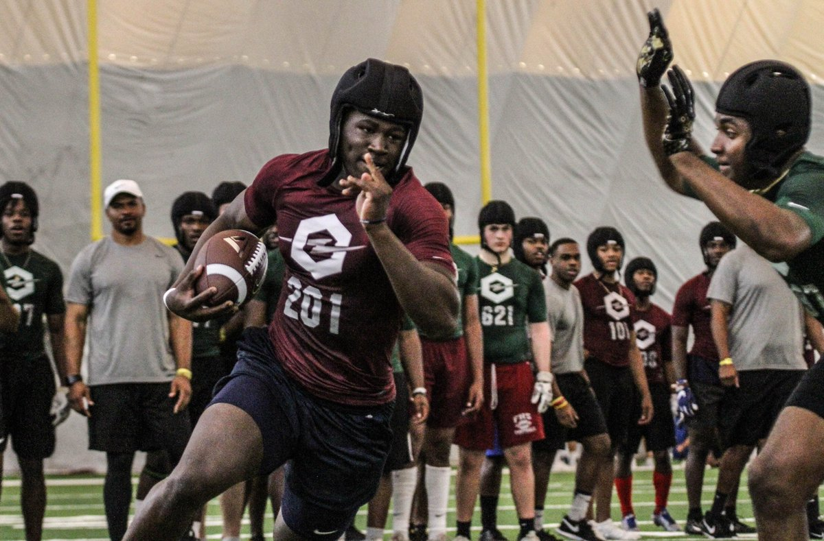 VIP: A bunch of Miami recruiting scoop coming out of the @TheOpening Miami. https://247sports.com/college/miami/Article/Miami-recruiting-scoop-from-The-Opening-Miami-129214431/ …