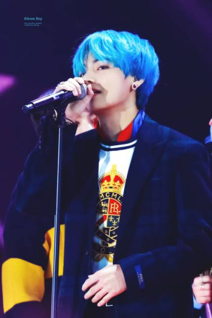 190218 Naver Article BTS V&#39;s advertisement in Fukuoka, Japan by @crescendo_1230 feels like a festival atmosphere because of the crowd  PLEASE LIKE, RECOMMEND AND COMMENT WITH 방탄소년단 뷔 USING FB, TWITTER, NAVER ACCT    https:// m.entertain.naver.com/read?oid=022&amp;a id=0003340879 &nbsp; …   #방탄소년단뷔 #TaehyungNaver <br>http://pic.twitter.com/7ql67wM0Qy