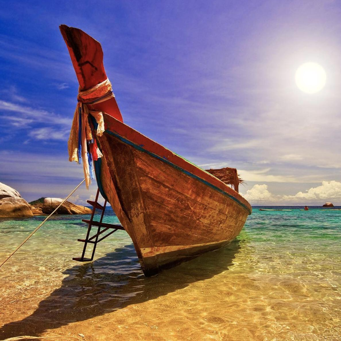 Let's live your simple life! This photo of a traditional long-tail boat in Phuket reminds me of the fabulous islands trip to the south of Thailand. Will definitely make a return.  #AmazingThailand #OpenToTheNewShades #ReviewThailand #LongTailBoat  #Phuket  #IslandThailand<br>http://pic.twitter.com/Y6CYRVofoC