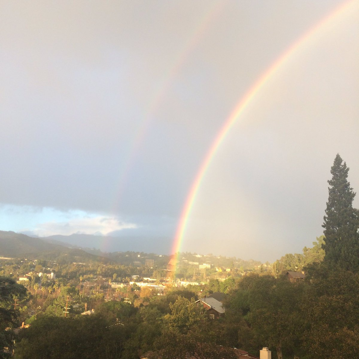 Double rainbow over Eagle Rock #LArain <br>http://pic.twitter.com/5Jf3BTY3IQ