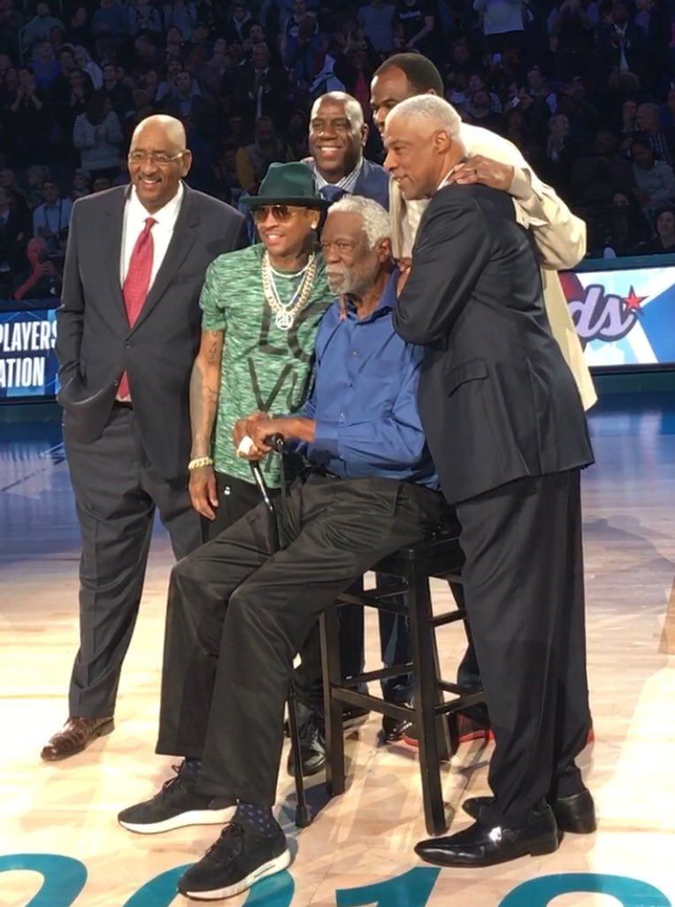Thanks @nba for the honor Center Court what Great company! George &quot;ICE MAN&quot; Gervin @MagicJohnson @alleniverson @DavidtheAdmiral @JuliusErving how many rings is that?  A LOT!!  @NBAAllStar @NBAonTNT #AllStarWeekend @TwitterSports @SLAMonline @BleacherReport<br>http://pic.twitter.com/x1Zf1frj1D