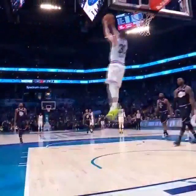 👀 #StephCurry to himself for the reverse jam! #NBAAllStar