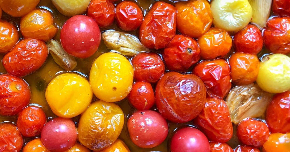 Cherry Tomato Confit Is The Best #recipe You'll Make All Summer. #summerrecipes #cooking http://bit.ly/2rOA2nD