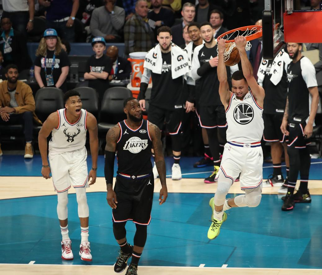 The Steph finish.. or the Giannis reaction!? 📸😮  #NBAAllStar  #TeamGiannis