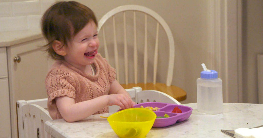 This 2-year-old deaf girl loves people — so her entire neighborhood is learning sign language https://cbsn.ws/2DNIxEN