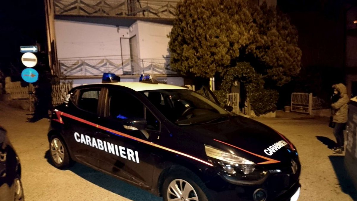 Camorra: blitz a Napoli dei carabinieri: 30 persone arrestate #carabinieri https://t.co/X3UGtVvQpC