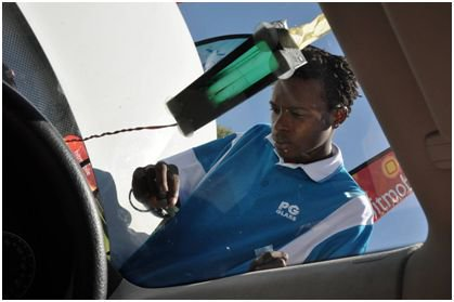 Road Safety and Your Windscreen - Safety Advice and Suggestions  https://shar.es/1MvS5X   @PGGlass1 #ArriveAlive
