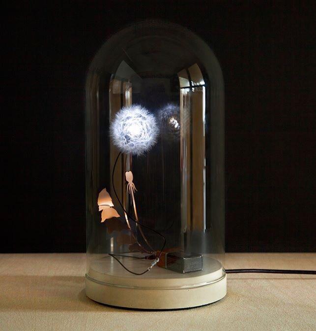 Electrical Dandelight is weer op voorraad! -> https://www.studiodewinkel.nl/wonen/WLG003.html… #dandelight #studiodrift #lonnekegordijn #ralphnauta #dutchdesign #handmade #paardenbloemlampje #paardenbloem #eyecatcher #styling #interior #interiorstyling #dandelion #electricaldandelight #handmade