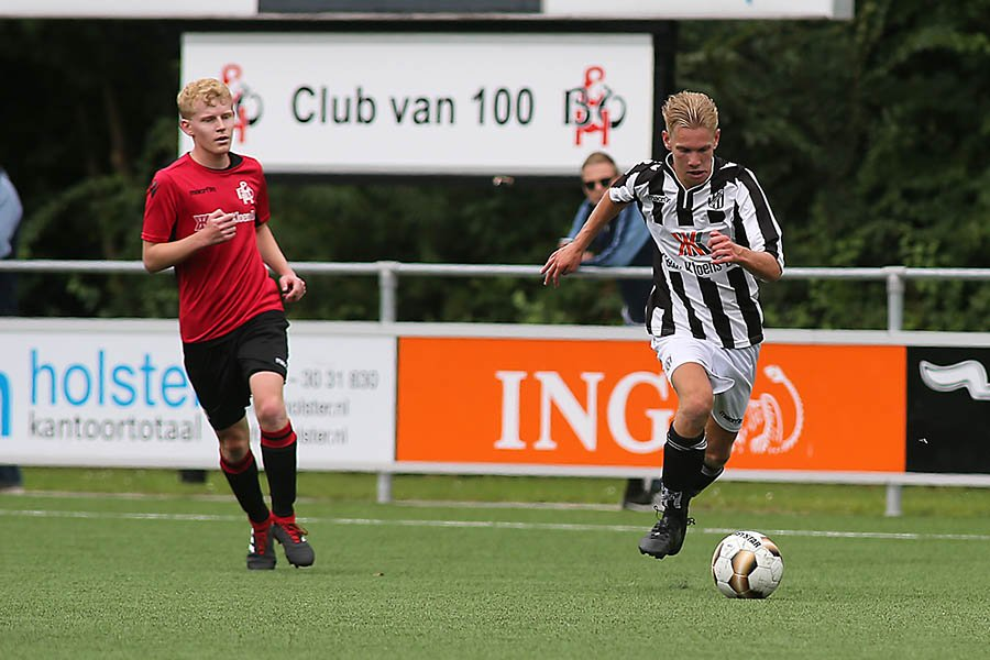 voetbal in 't kort's photo on #zondag