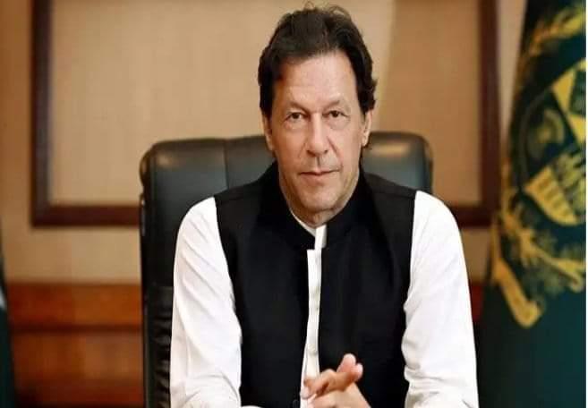 قائدآعظم ایوب خان اور بھٹو کو تو ھم نے نہیں دیکھا ھے لیکن گزشتہ 30 برسوں میں ھم نے عمران جیسا لیڈر نہ دیکھاتھا نہ دیکھا ھے.