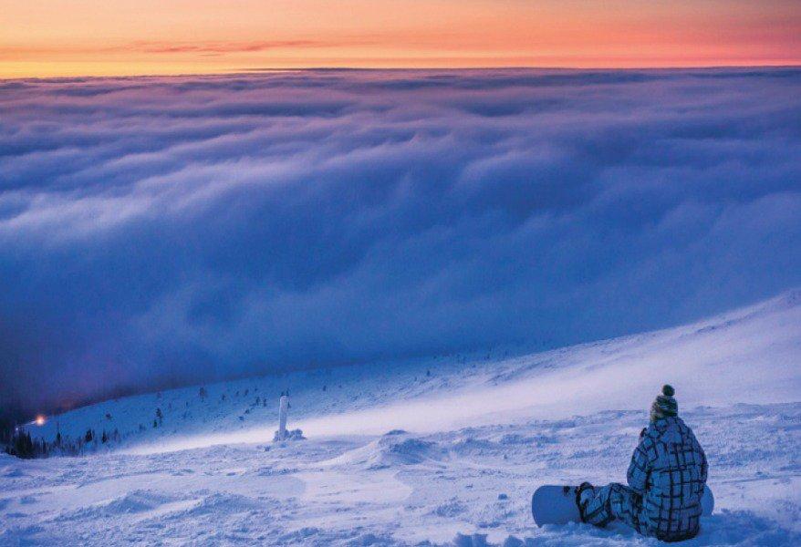 Sciare a Ruka https://bit.ly/2X3YO1r ⛷️🏔️🇫🇮Non tutti trascorrono una vacanza invernale dove vi portiamo noi oggi e cioè a Ruka, al Circolo Polare Artico… ❄️🐧@BlogViaggiatore 🛫 #finlandia 🌍 #viaggi 🌉 #viaggiatori 🌌 #vacanze 🏨🏂⛸️⛄️#turismo 🚙🚠 #viaggiare 🗺️