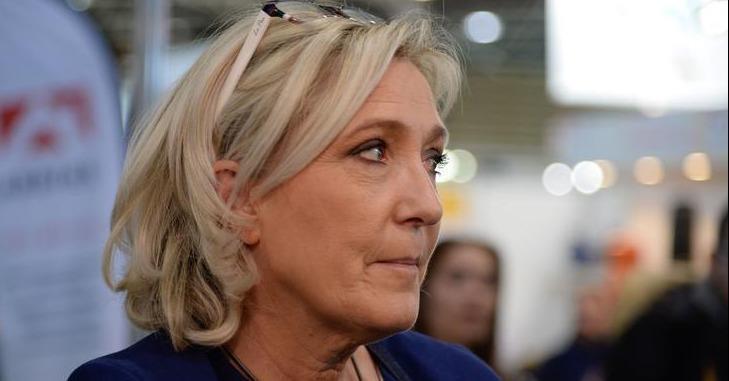 ❌ Marine Le Pen veut porter plainte contre Agnès Buzyn. La ministre de la Santé avait affirmé que la présidente du Rassemblement national «court» quand «elle peut rejoindre les néo-nazis».  https://t.co/umdZ72BbM3