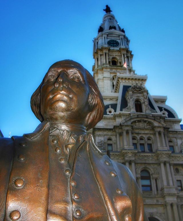 George Washington & William Penn - - together again for the very first time. #presidentsday #georgewashington #williampenn #williampennwhenever #statues #sculpture #art #philadelphia #6abcaction #philly #phillygram #phillymasters #phillyprimeshots #phill… http://bit.ly/2TVW1VQ