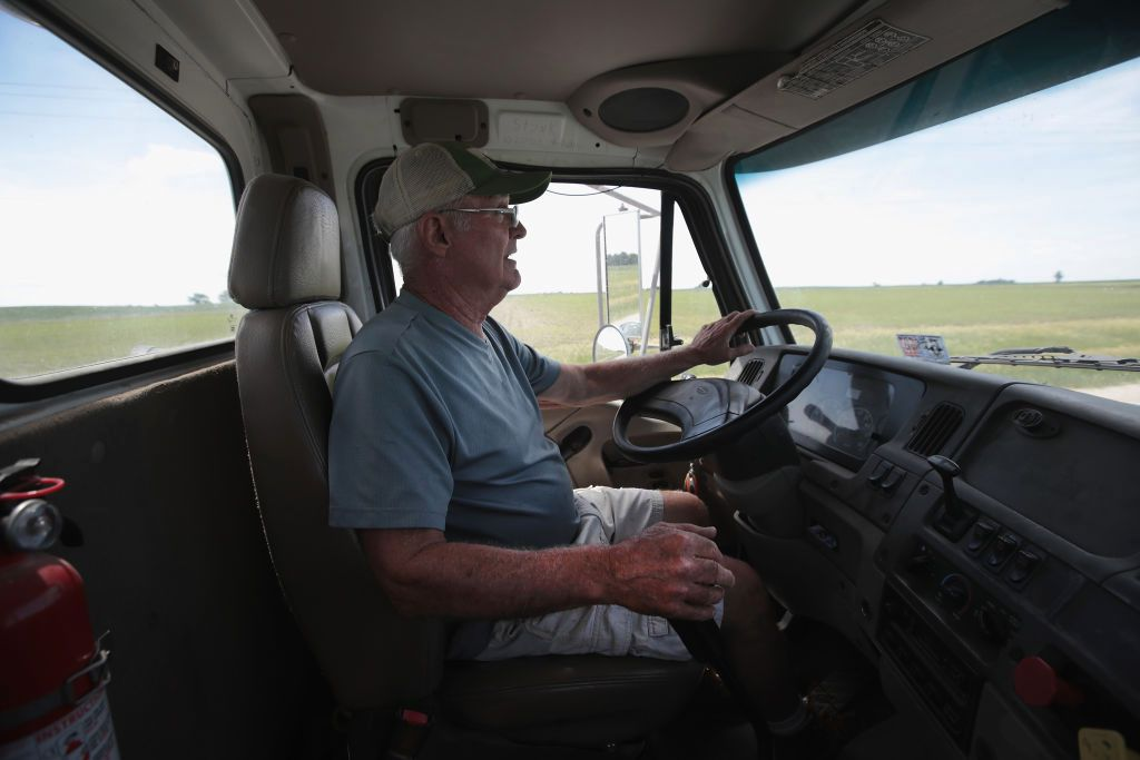 Trump claims tariffs brought China to its knees. His trade war is hurting Midwest farmers instead.  https://t.co/Wn1HpMbzkz