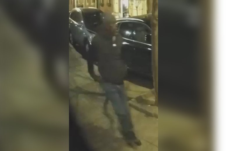Wanted: Suspect for Multiple Theft From Autos in the 3rd District [VIDEO]  http://pr.phillypolice.com/2019/02/wanted-suspect-for-multiple-theft-from-autos-in-the-3rd-district-video/ …
