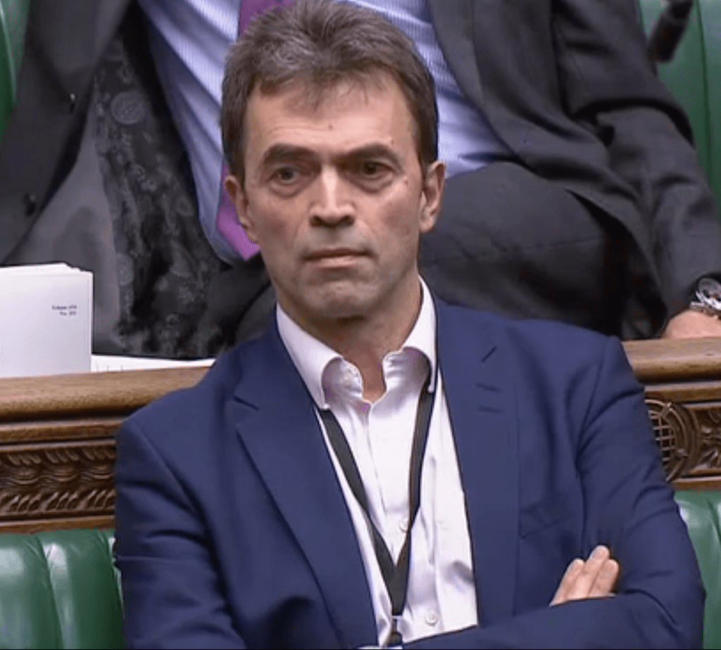 Parliament Kept in the Dark About Brexit Trade Deals while the SunShines https://bylinetimes.com/2019/02/18/parliament-kept-in-the-dark-about-brexit-trade-deals-while-the-sun-shines/…