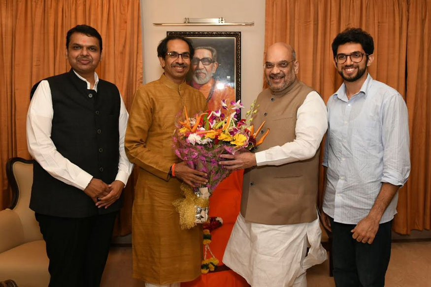 #NewsAlert -- @BJP4India President @AmitShah reaches 'Matoshree' to meet Uddhav Thackeray. | #BattleOf2019
