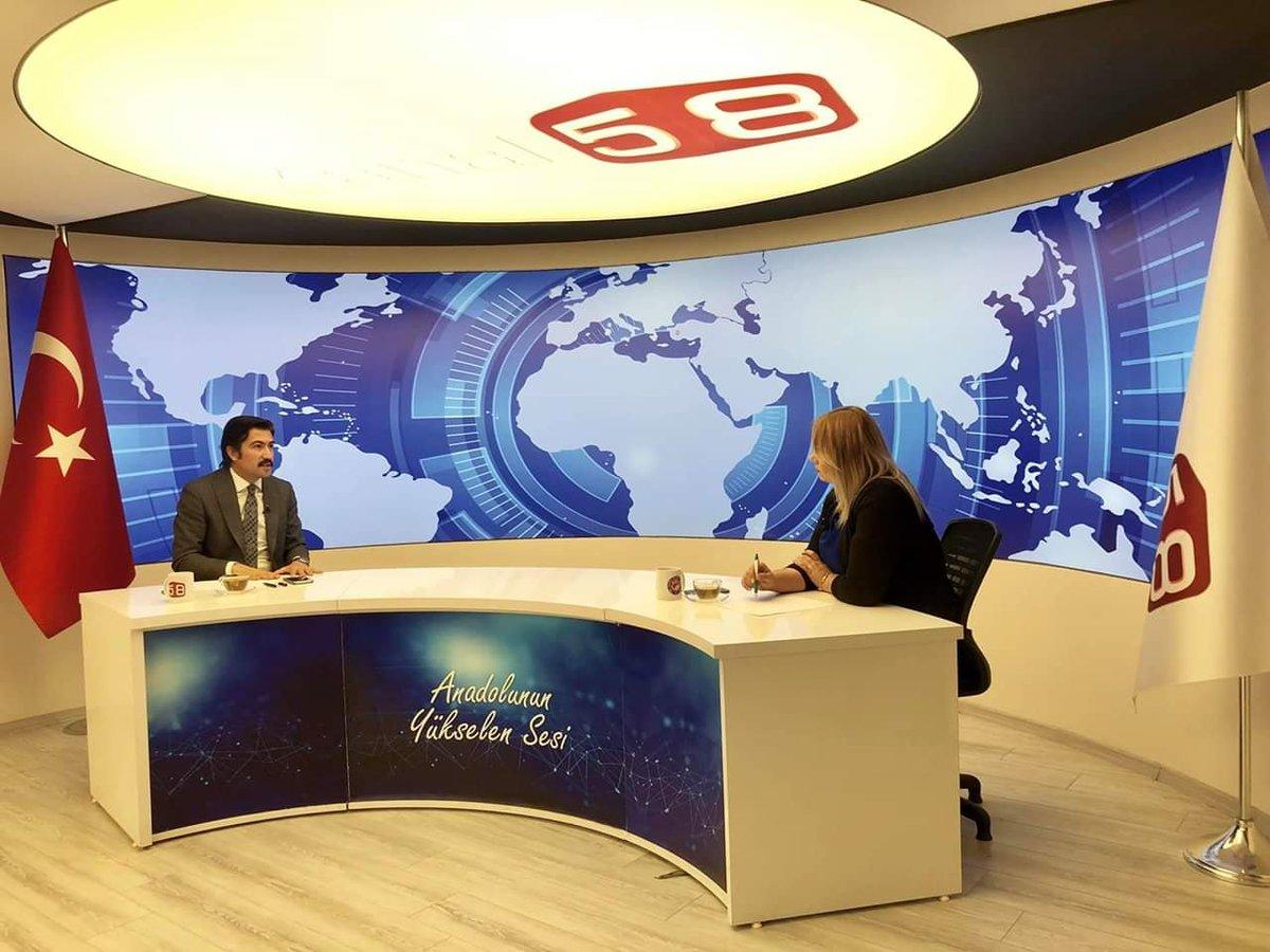 """Saat 17:00'da Kanal 58 ekranlarında """"Haftanın Manşeti"""" programında gündem üzerine değerlendirmelerimiz yer alacak."""