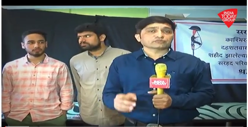 #PulwamaTerrorAttack : Kashmiri students organise a peace meeting in Pune to condemn the terror attack. India Today's@Pkhelkar  shares more details in this#ReporterDiary  .#IndiaUnited   Watch video here:https://t.co/PnxfsiWID1