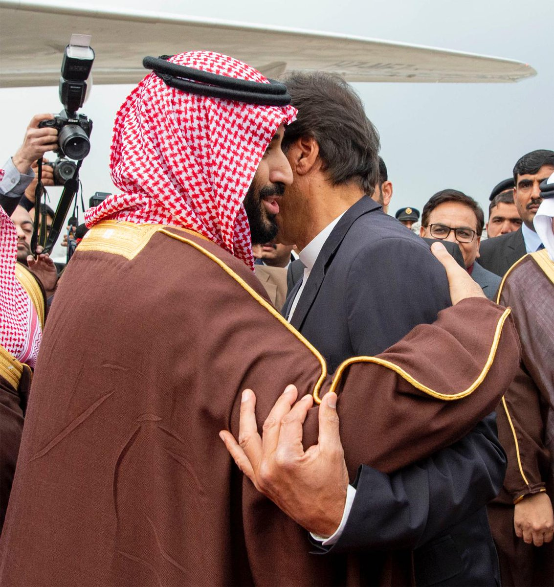 Crown Prince #MohammedBinSalman leaves #Pakistan ending historic two-day visit 🇸🇦🇵🇰