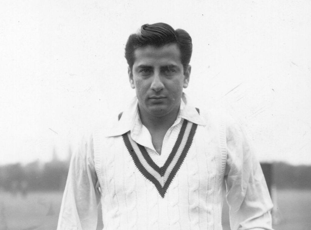 #OnThisDay in 1927, Pakistan's Fazal Mahmood was born.   Mahmood was one of Pakistan's first great pace bowlers and took 139 Test wickets at an impressive average of just 24.70 across his career.