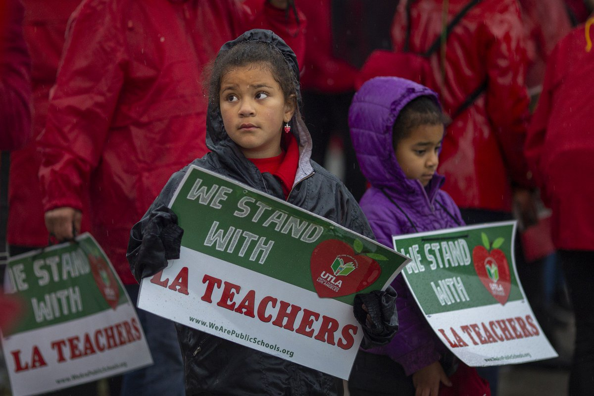 3,000 Oakland teachers to strike this week as education protests continue to sweep the U.S.  https://t.co/BHu6G5alwk