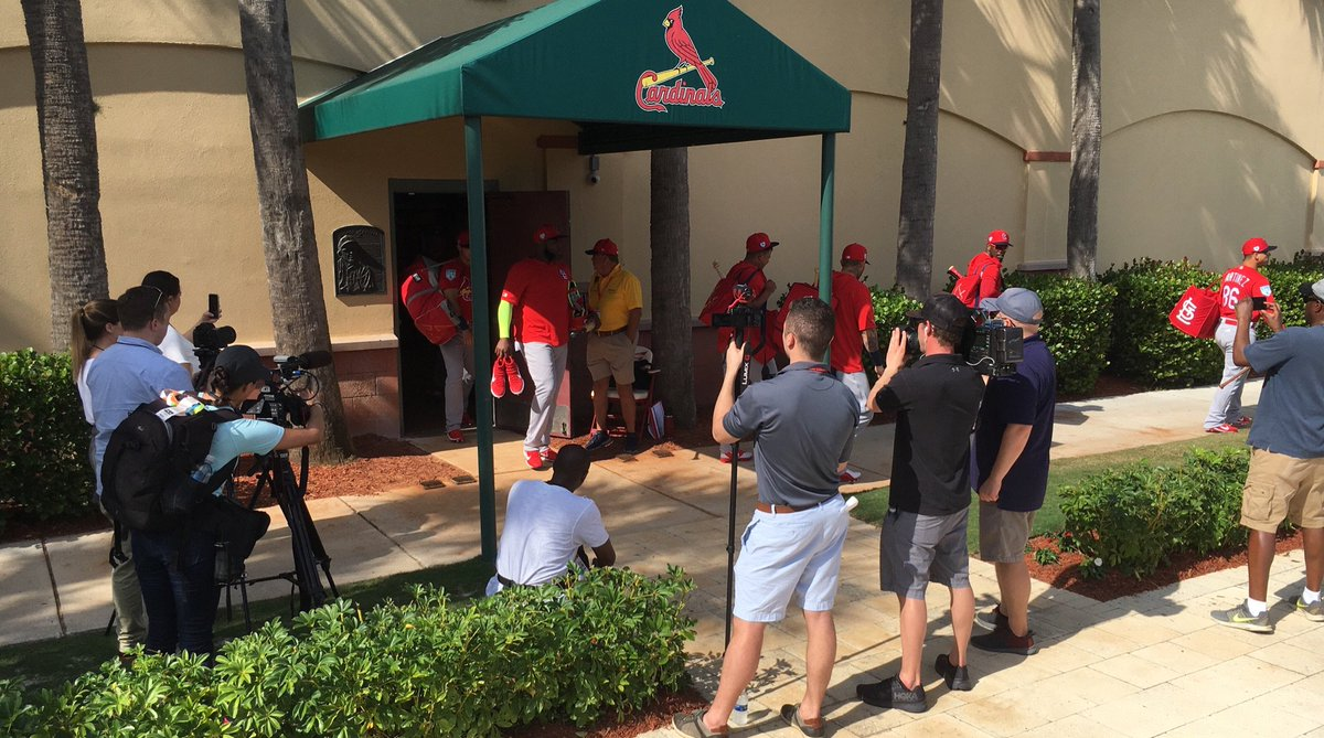 .....and they're off. First full squad workout. #STLCards