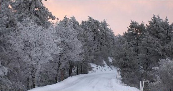 Due to overnight snow, California Highway Patrol shut down portions of SR-79 to SR-78 in Julian. CHP is asking everyone to stay home because the driving conditions are too dangerous. Chains are required. http://www.cbs8.com/story/39979291/storm-brings-snow-to-san-diego-mountains…