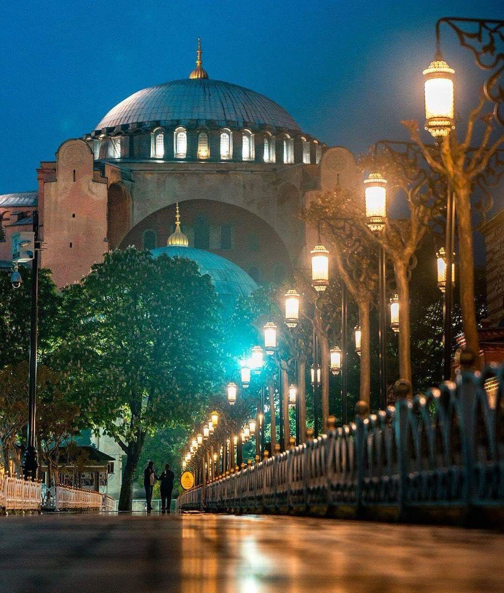 Have a peaceful night from Hagia Sophia, İstanbul ..... <br>http://pic.twitter.com/ViQziEQv8k