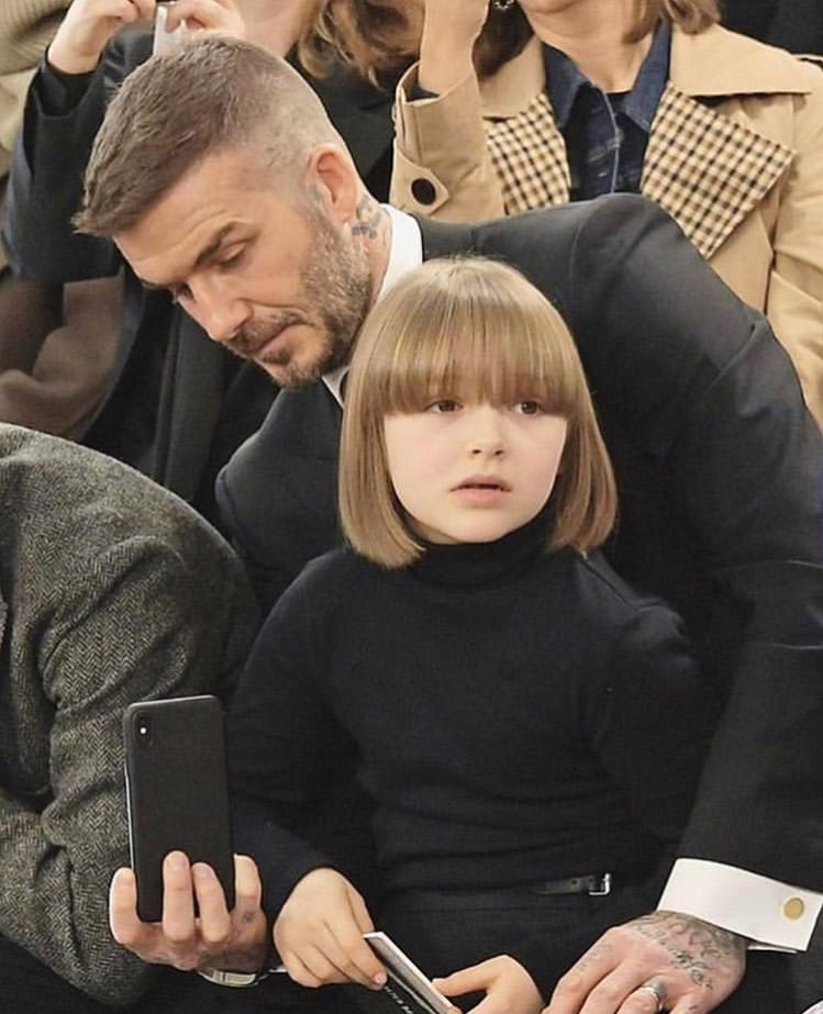 Anna Wintour is stressed.