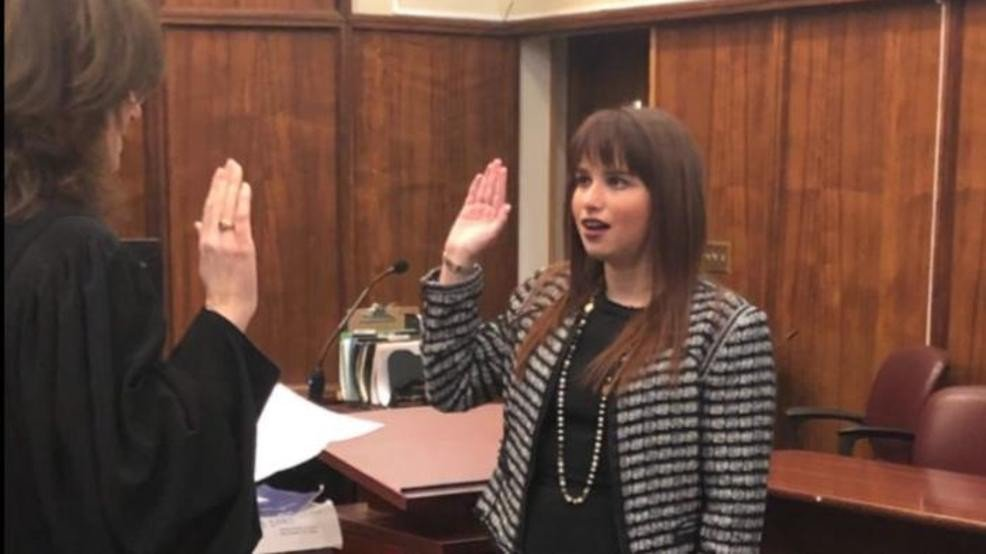 🙌INCREDIBLE!🙌  South Florida woman is first openly autistic person to practice law in the state https://t.co/vSuPQfBXFg  When she was 3, doctors told her parents that she'd be fortunate to make a friend, graduate high school, or obtain a driver's license...