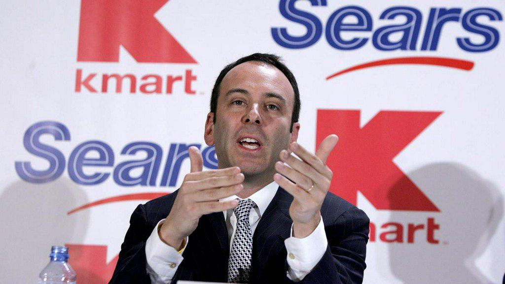 Eddie Lampert quits his role as Sears Holdings&#39; board chairman  http:// bit.ly/2DPObqg  &nbsp;  <br>http://pic.twitter.com/ZGpvwCp4Tw