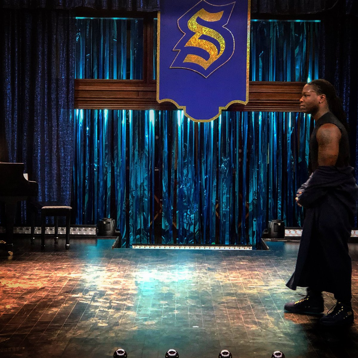 Good morning, #legacies fans. In just 3 days you finally get to see our talent show episode and it is going to blow your mind.