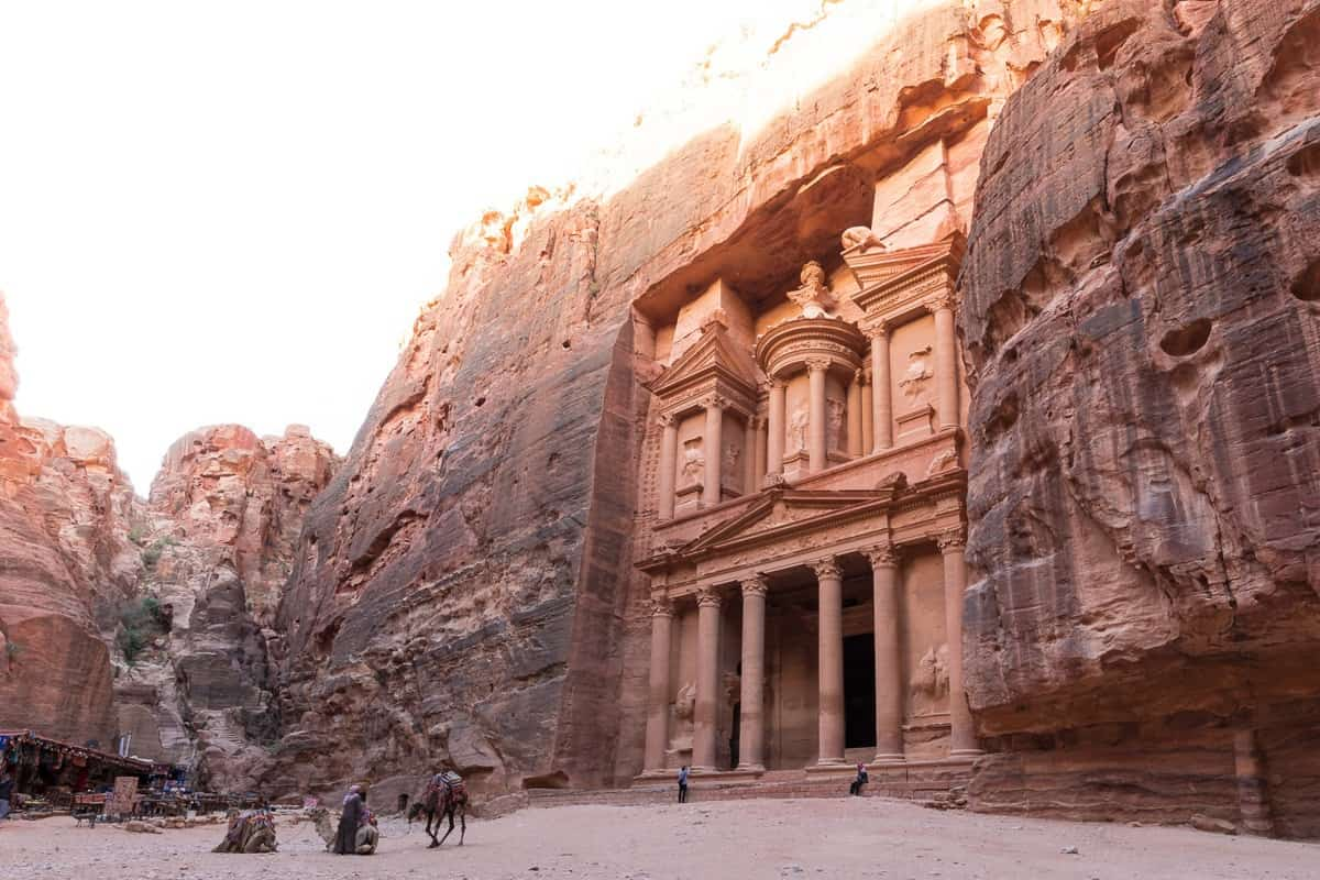 Historical Places In The World – The Complete List |  https:// resrutt.com/historical-pla ces-in-the-world/ &nbsp; …  | #travelblog #ttot #resrutt<br>http://pic.twitter.com/03WLNFMbrx