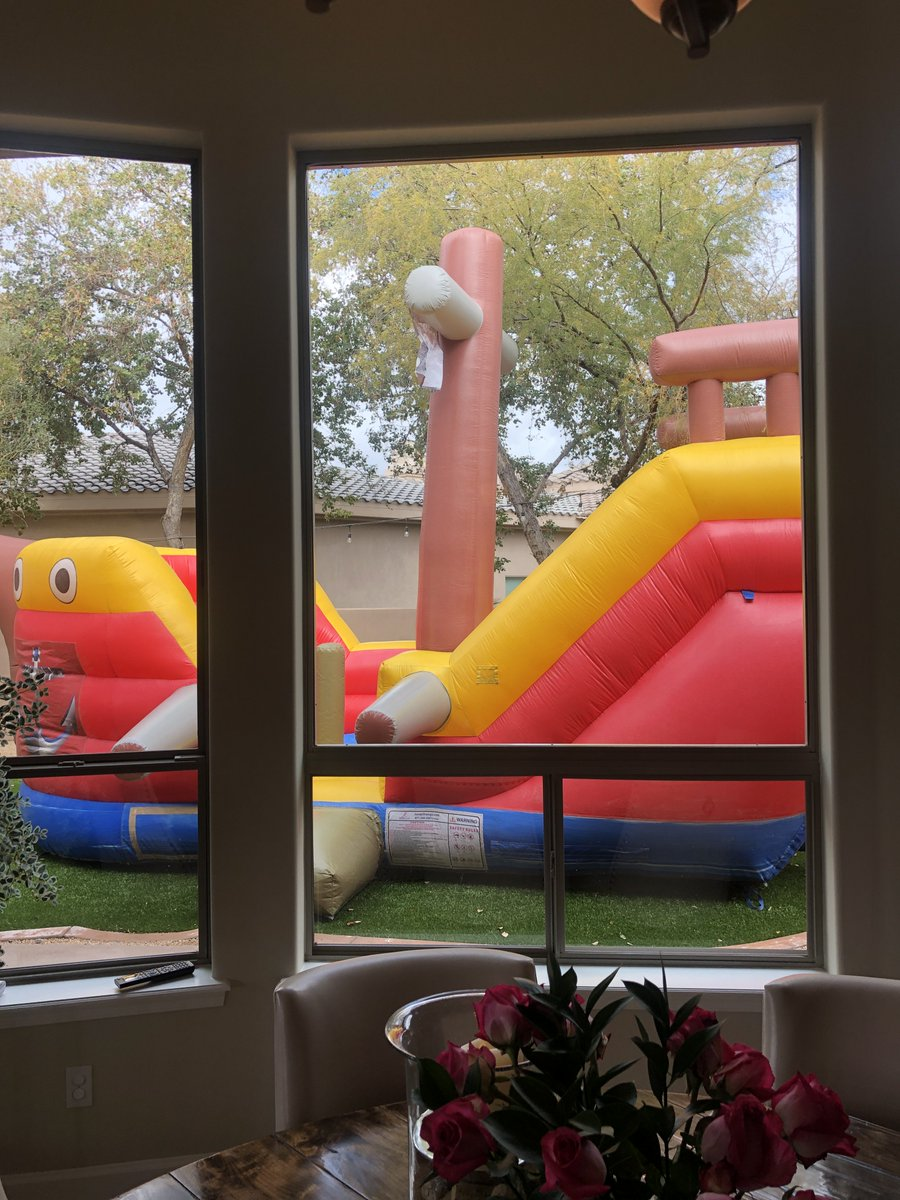 My wife knows how to organise a kids party. 😂