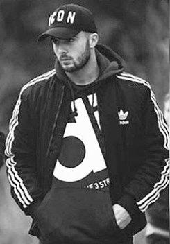 #MyFut Hola me llamo Rubén Dos Santos [RDS] Soy brasileño y tengo 19 años Juego de SD/DC/MCO Destaco en potencia de tiro(tiros lejanos y de todo tipo), velocidad, remate de cabeza y regate Acabo contrato en sporting de lisboa  ✨BUSCO EQUIPO✨ Interesados al MD