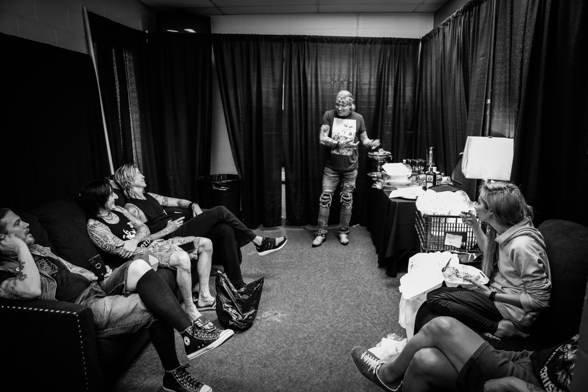 The hang before the storm. #GNRBTS