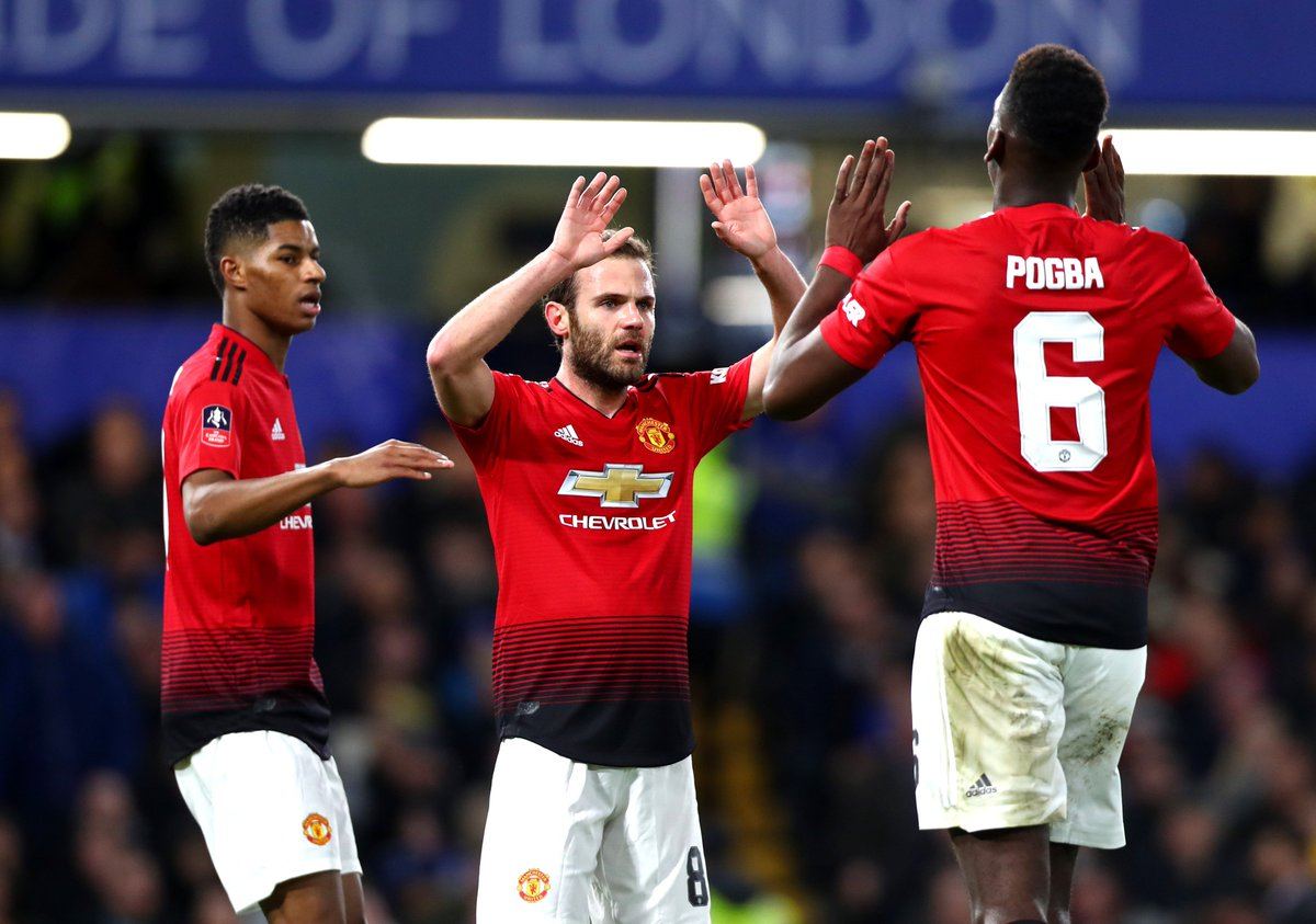 HALF-TIME! Chelsea 0-2 Manchester United: #FACup fifth round – live! https://t.co/qgUv9J7LMY #CHEMUN #CFC #MUFC