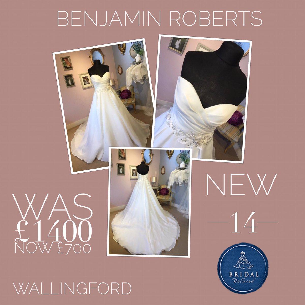 de7238ee8f518 ... #wedding #misstomrs 💍 #engaged #wallingford #weddingdress  #maggiesotterobridepic.twitter.com/sZkh3p4hvO