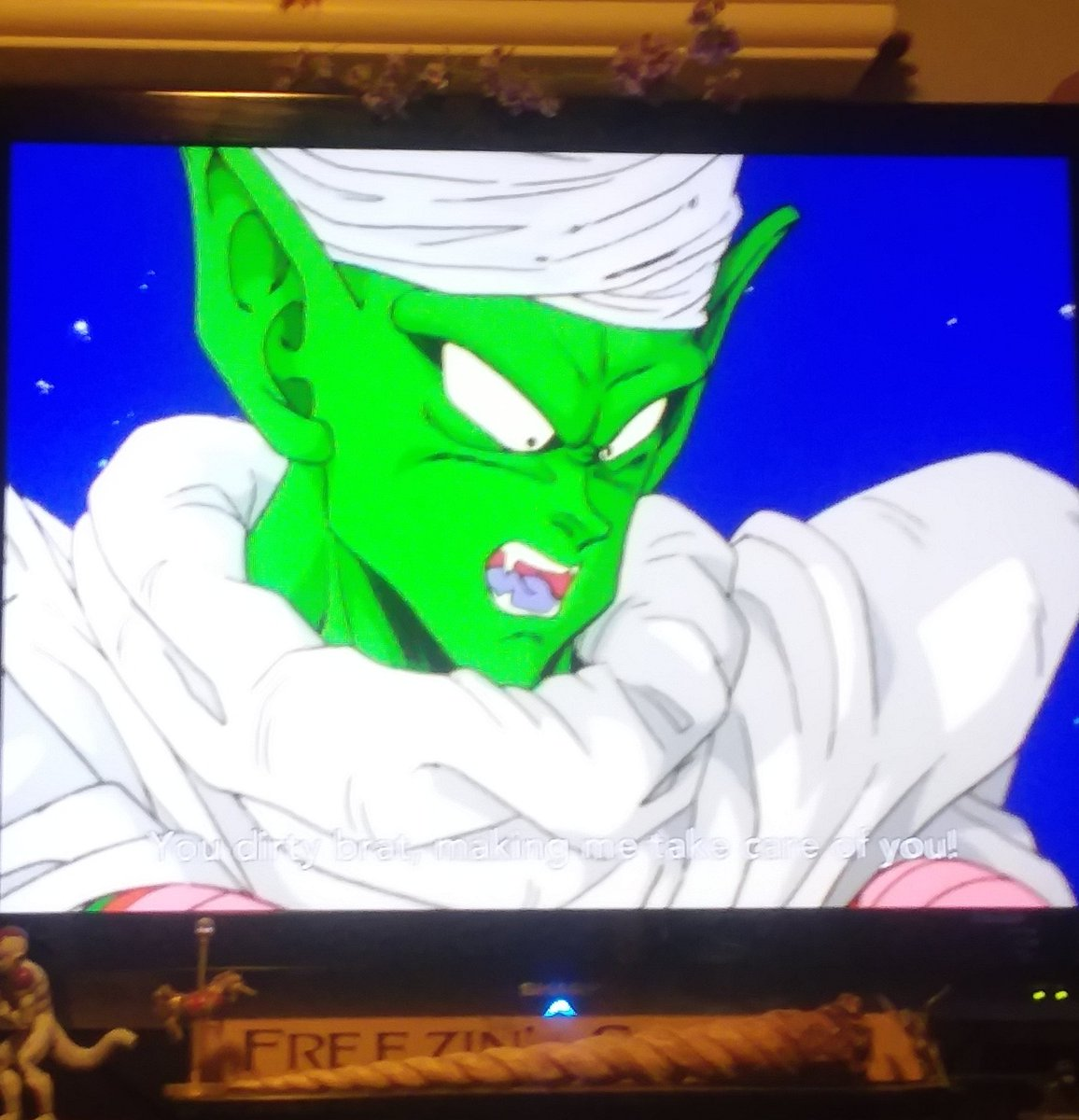 Remember the Santa Hat TV drinking game? Why wait for the holidays when you can do the Flower Crown edition! I would have had to take at least 9 shots in this episode of DBZKai alone. <br>http://pic.twitter.com/Qxl6nGdhOJ