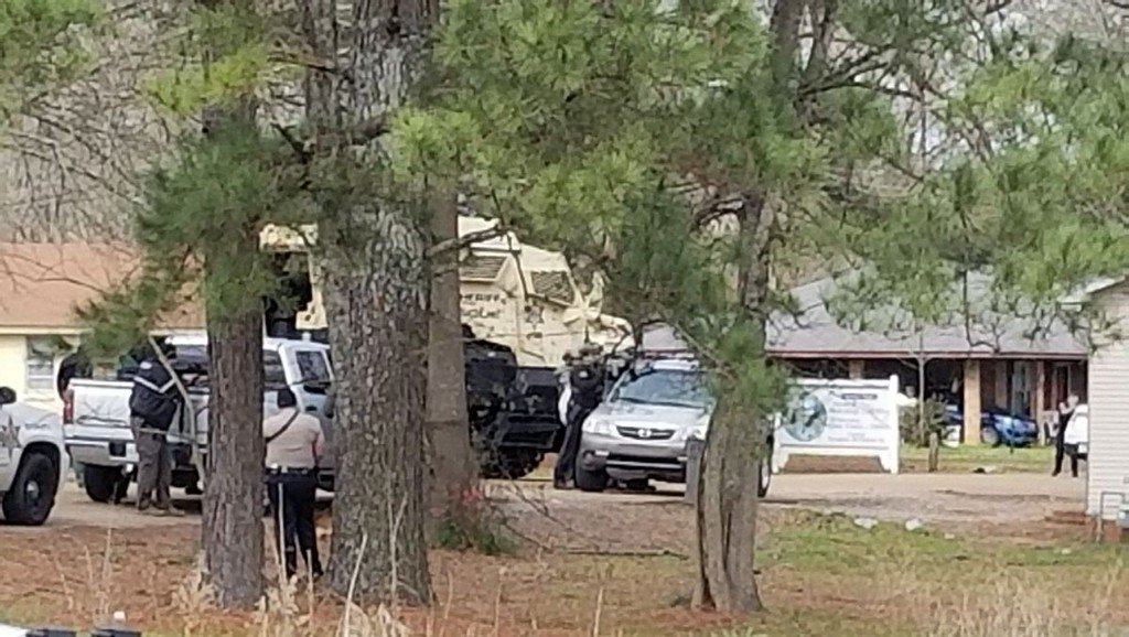 Man shot during standoff with officers in Pelahatchie dies, coroner says https://t.co/cPGvi9Z9nd