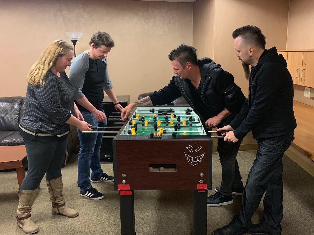 MMR listeners face off with @Disturbed in some pre-show foosball... hey, Dan, quit trying to cheat! 😜