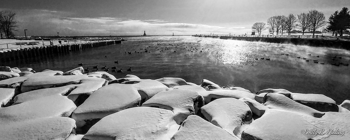 Nice view of @Port_Washington Harbor, Wisconsin in black and white - 2.18.19 ~ Thanks to Emily Ebeling @EbelingArtPhoto #SnowHour #StormHour