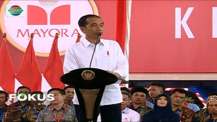 Presiden Jokowi melepas kontainer ekspor PT Mayora Tbk ke-250 ribu di kawasan Cikupa, Tangerang, Senin (18/2) sore. Kontainer yang berisi produk makanan dan minuman itu dilepas untuk berangkat ke Filipina. #FokusIndosiar