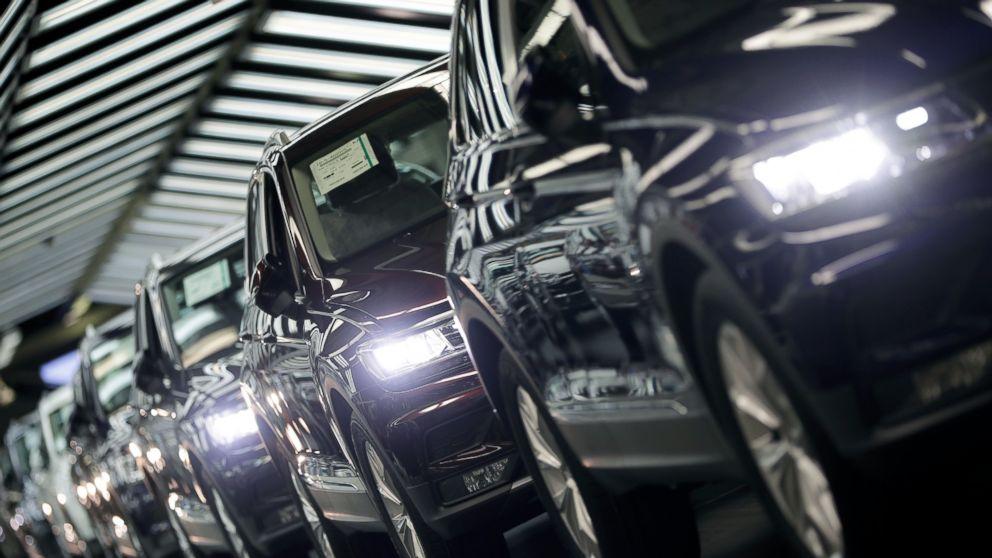 EU warns of reduced imports if Trump puts tariffs on cars: https://t.co/cVdmExG8a1