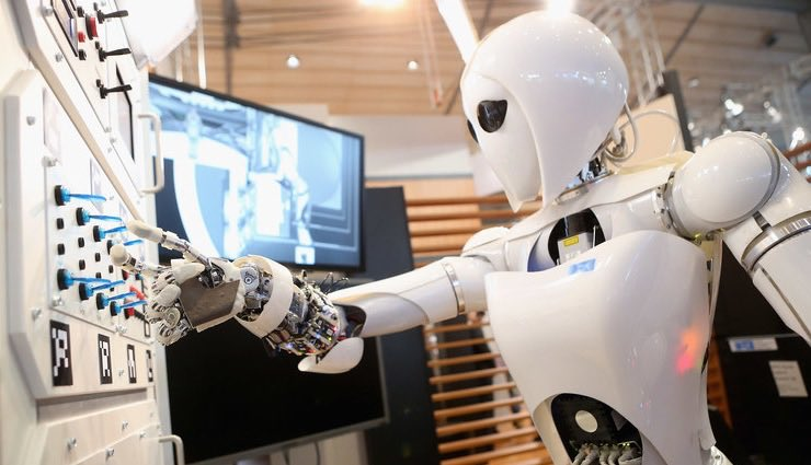#mustread Pourquoi l'intelligence artificielle ?Pour faire plus avec moins👏 @fredcavazza vient déconstruire les présupposés🙏 «automatisation & machine learning ne sont que des outils au service d'entreprises qui fixent leurs propres limites et règles» #ia #MachineLearning #rse https://t.co/LypiO4u6PP