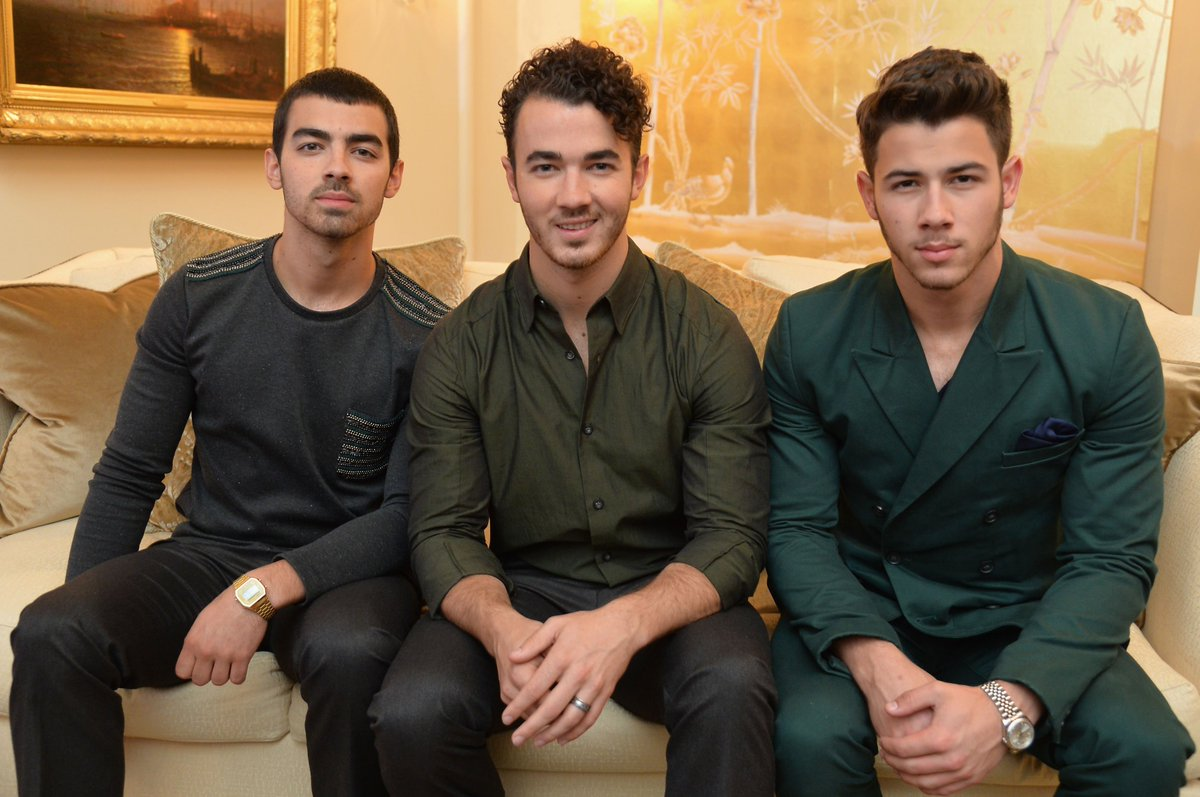 The Jonas Brothers are reportedly reuniting as JONAS. https://www.thefader.com/2019/02/18/jonas-brothers-reunion-2019?utm_source=tftw…