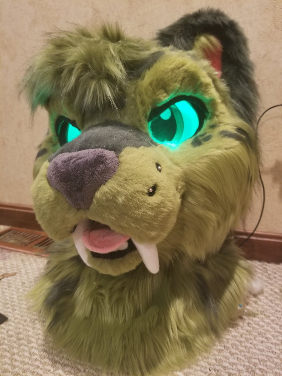 What  have I&#39;ve been up to lately? I&#39;ve been working on a lovely leopard head for @MidoriLeopard.  Running outta time but im almost there...  #fursuit #furry #ANE2019 #fursuitmaker <br>http://pic.twitter.com/iuI7ON5VcM